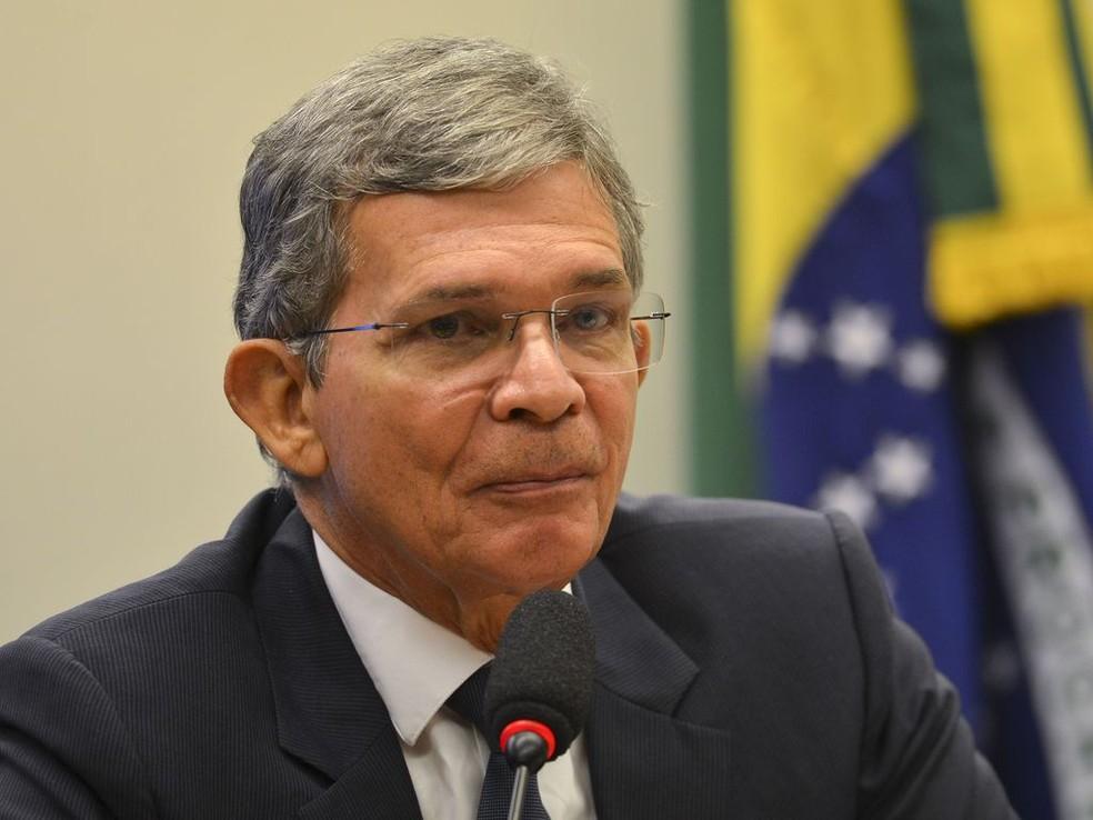 invistaja.info - Joaquim Silva e Luna: militar 'espartano' deve assumir as rédeas da Petrobras
