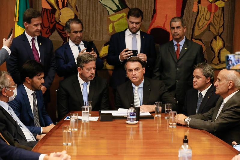 invistaja.info - O que está por trás do dilema de Bolsonaro com o Orçamento de 2021? Veja caminhos e riscos