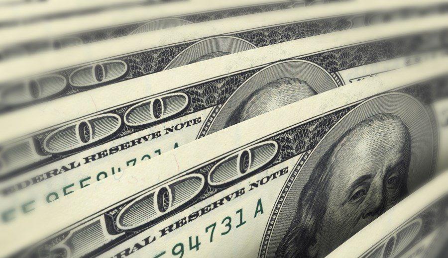 invistaja.info - Dólar recua contra real em linha com exterior e cenário doméstico mais favorável