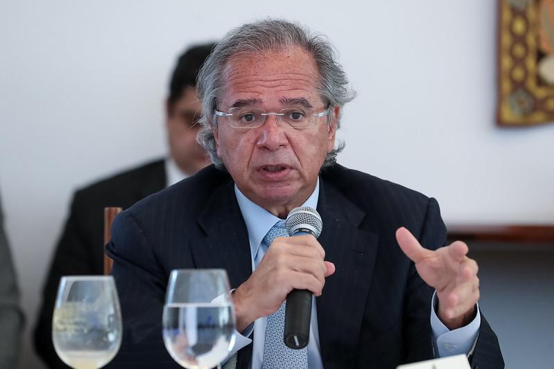 invistaja.info - Renovação do auxílio emergencial por 3 meses pode ser anunciada nesta semana, diz Guedes